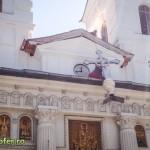 montare cruce catedrala sf nicolae bacau (3)
