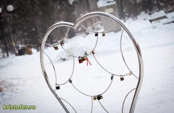 monumentul iubirii parcul cancicov iarna