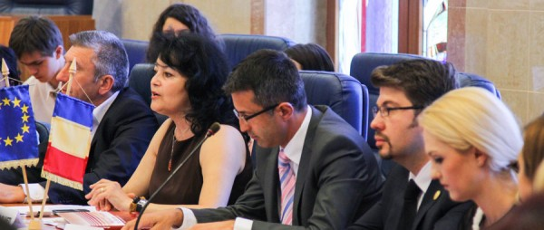 dezbatere tineri 9 mai ziua europei bacau 2013 (3)