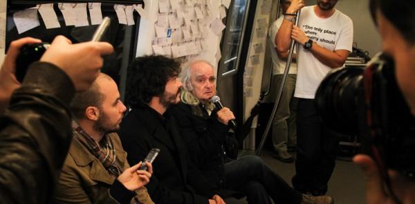 metrou bucuresti tapetat cu poezie julius meinl (8)