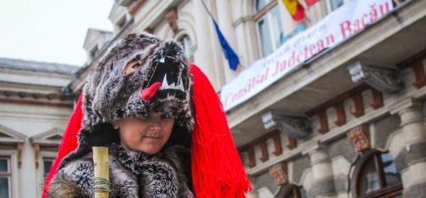 alaiul datinilor si obiceiurilor de iarna bacau 2013-41