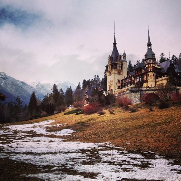 castelul peles bran instagram