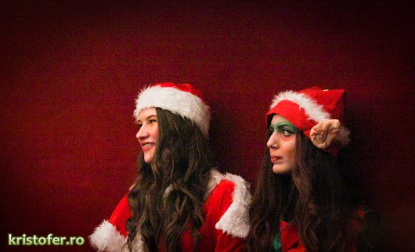 9 Ziua-Voluntariatului-sarbatorita-de-Crucea-Rosie-la-Teatrul-Bacovia 2011
