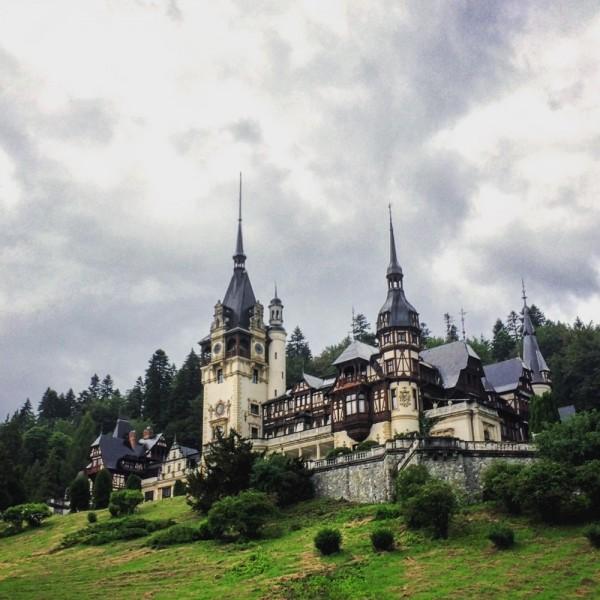 9 castelul peles instagram
