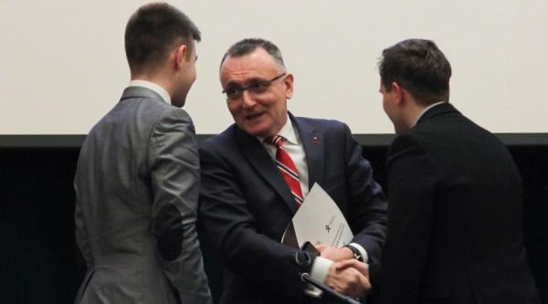 ag-consiliul-national-al-elevilor-bucuresti-2015-4