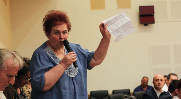 cetateni bacau consiliul local bloc 22 decembrie-6