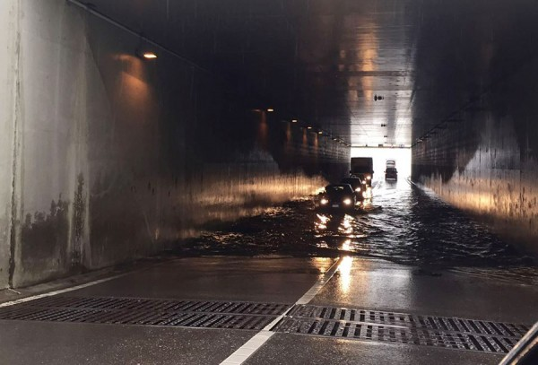pasaj subteran inundat bacau 2015