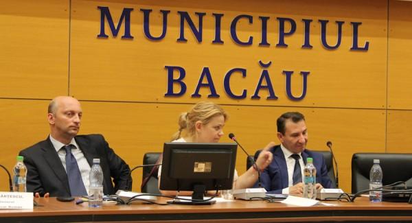 sigartau la conferinta finantarea actului de cultura, flancat de primar si viceprimar