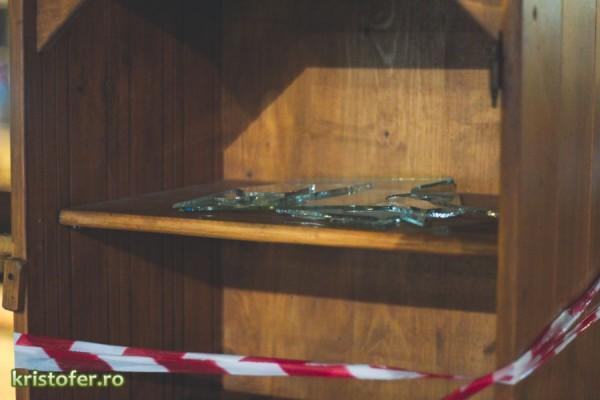 librarie stradala distrusa bacau-2