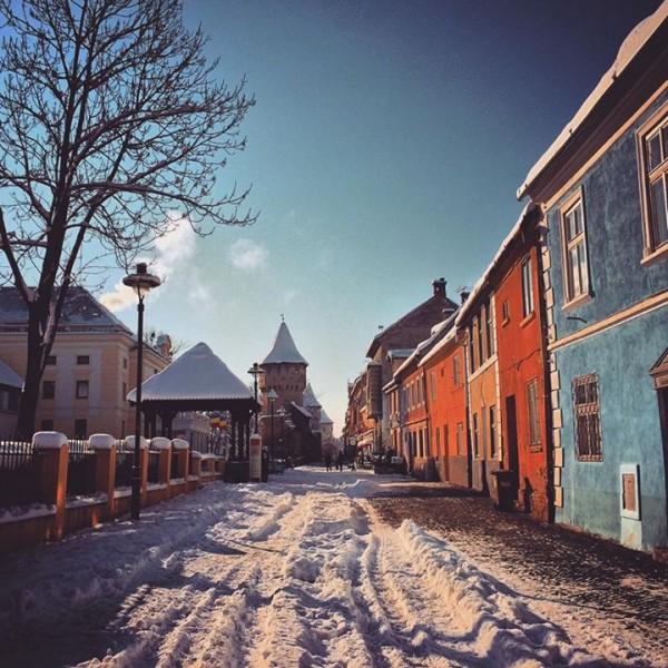 strada cetatii sibiu iarna