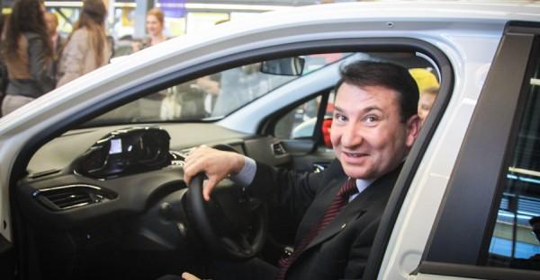 romeo stavarache centru afaceri salon auto