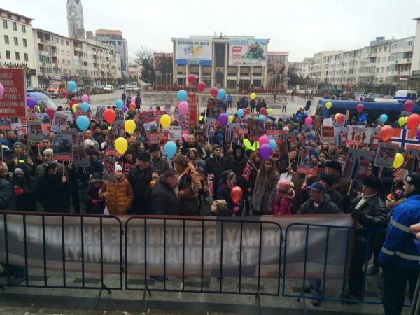 protest copii norvegia bacau 2