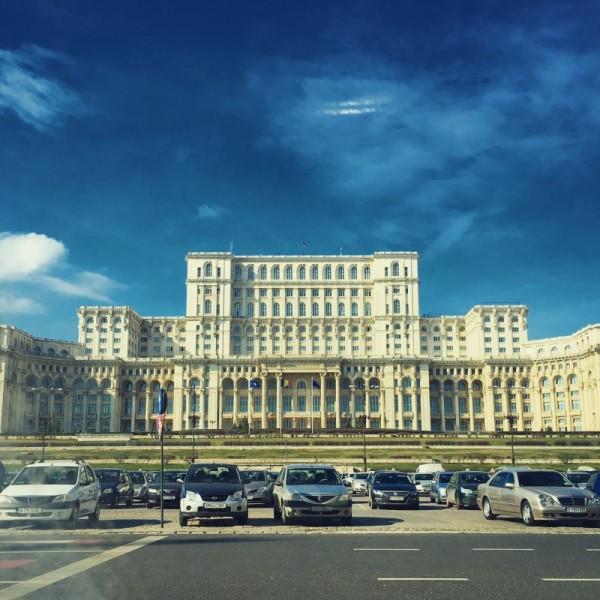 2 palatul parlamentului