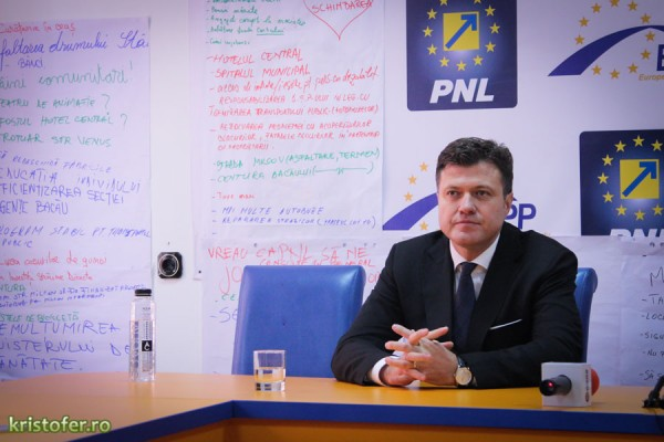 dragos luchian conferinta presa lansare candidatura primaria bacau