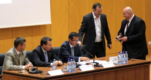 investire consiliul judetean bacau 2012 stavarache benea palar pocovnicu serban