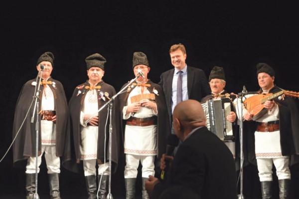 dragos luchian unire teatrul bacovia eveniment electoral