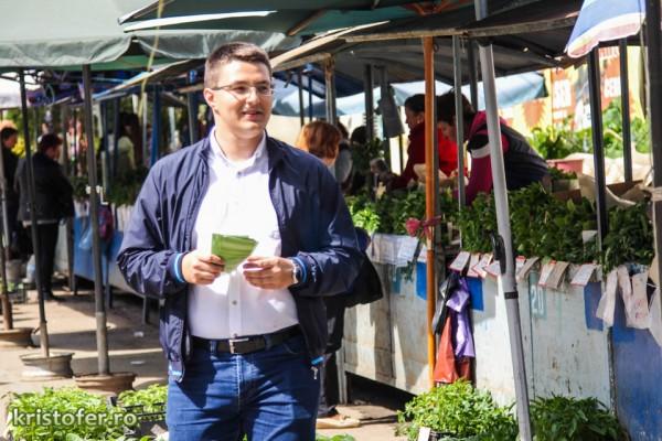 cristian ghinghes piata centrala alegeri bacau 2016-10
