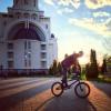 2 bacau apus bicicleta parcul catedralei