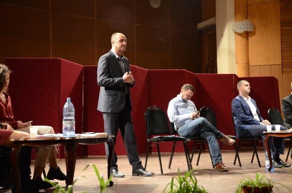 sorin-sova-dezbatere-tineri-parlamentare-2016