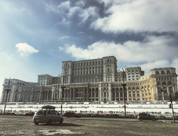 8 palatul parlamentului bucuresti