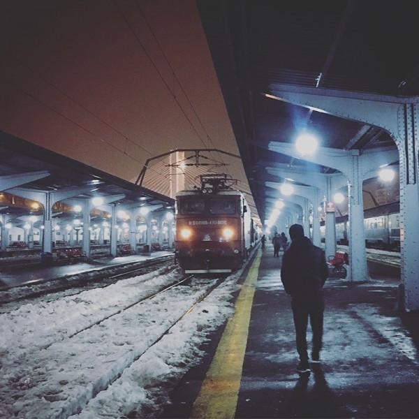 9 gara de nord bucuresti iarna noaptea