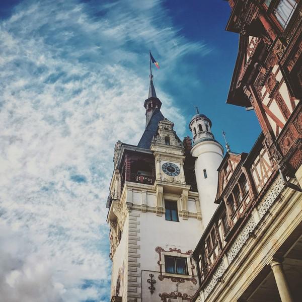 3 castelul peles sinaia cer