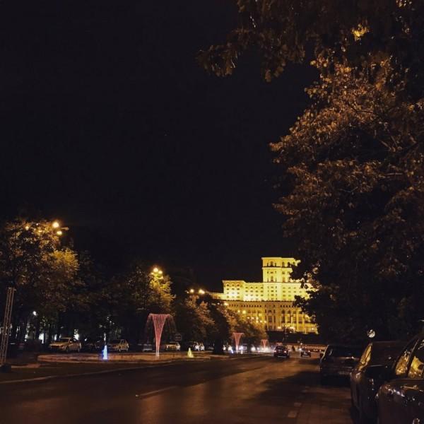 4 seara toamna parlament bucuresti