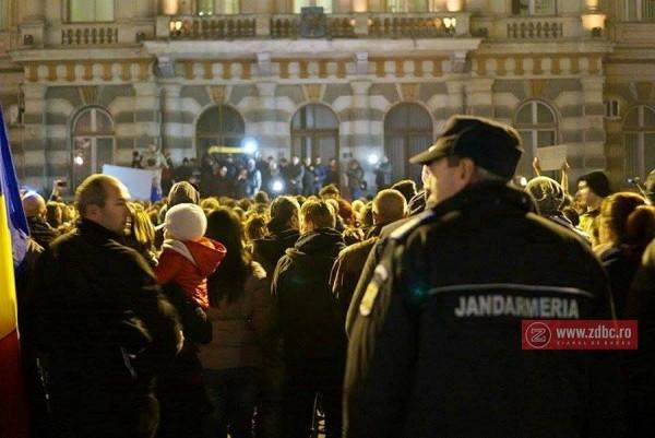 protest piata tricolorului