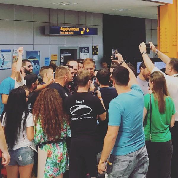 06 armin van buuren sosire aeroportul cluj untold 2018