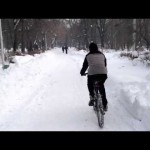 Cu bicicleta pe zăpadă (video şi foto)